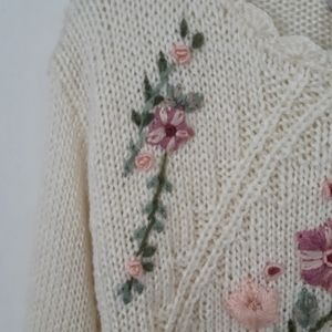 Vintage Sweaters - Vintage Handknit Floral Embroidered Sweater